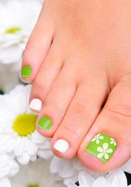 10 easy toe nail designs 2017 nail art designs 2017 toe nail art design prinsesfo Images