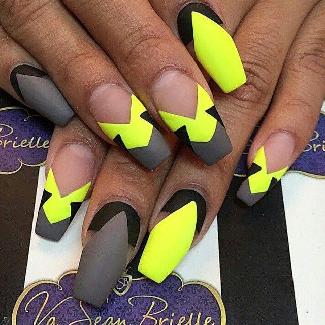18 Best Yellow Nail Designs – Nail Art Designs 2017