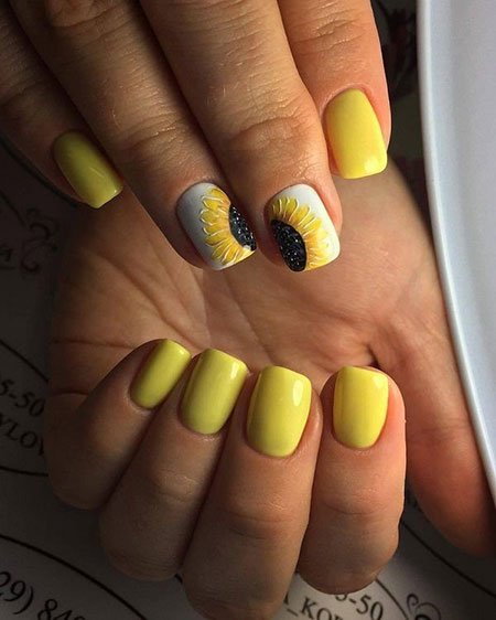 Yellow Flower Summer Manicure