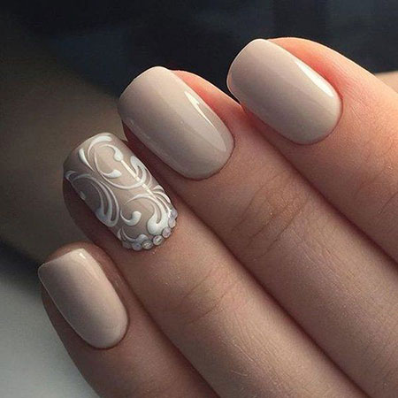 Beige Color Nails for Brides, Manicure Beige Classy Colors