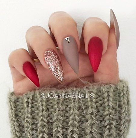 Stiletto Manicure Love Shape