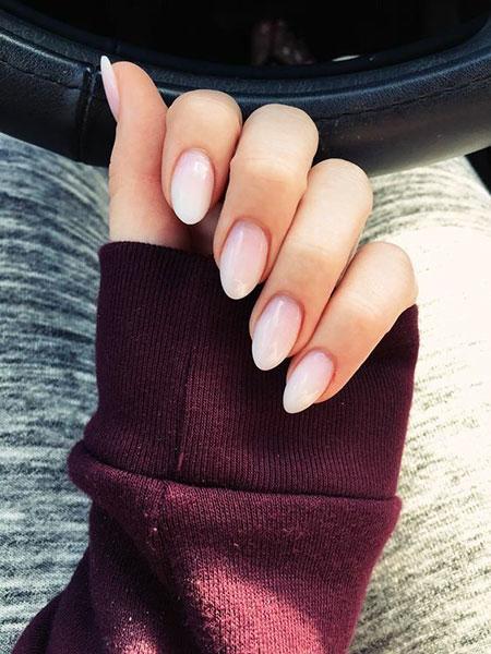 Manicure Almond Acrylic Nice