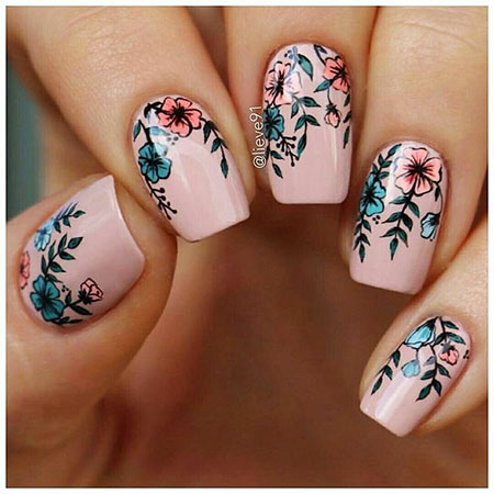Manicure Spring Floweral Cat