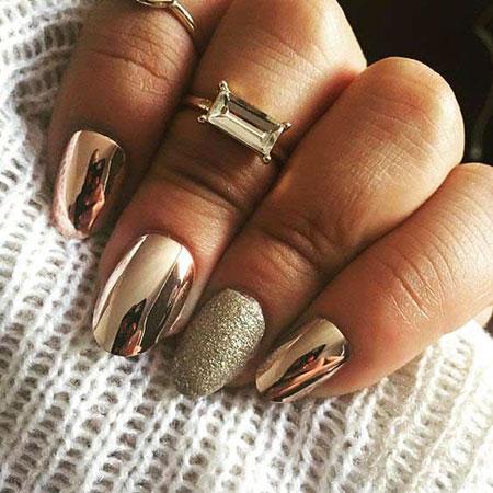 Metallic Gold Manicure Trend