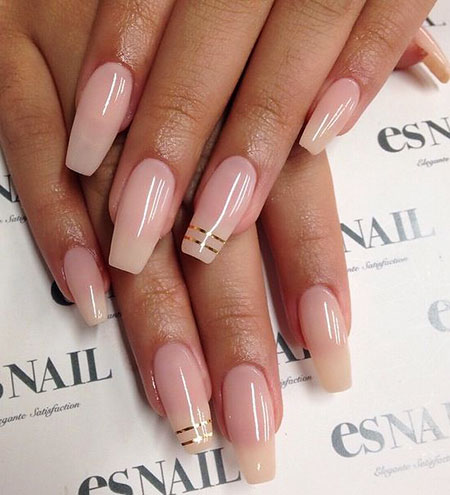 Natural Colored Nails, Coffin Natural Nude Ongles
