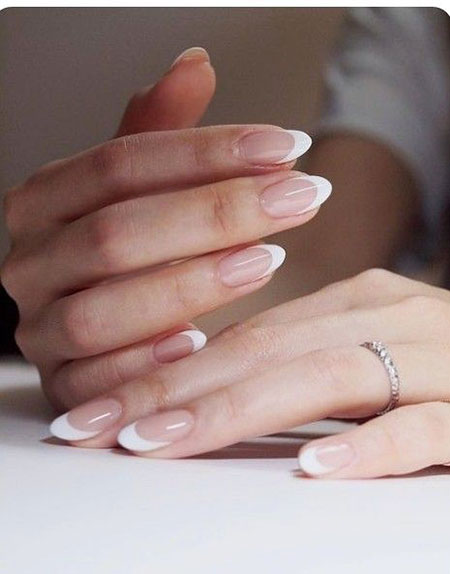 French Manicure Oval Almond