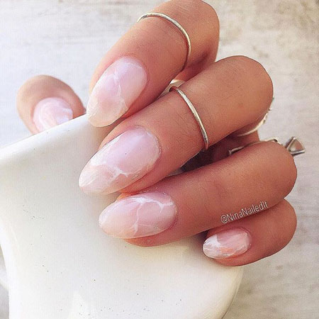 Manicure Oval Natural French