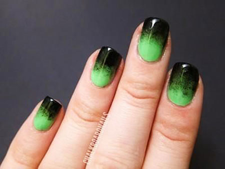 Manicure Green Bat Gradient