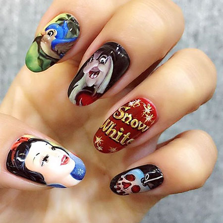 White Manicure Halloween Disney
