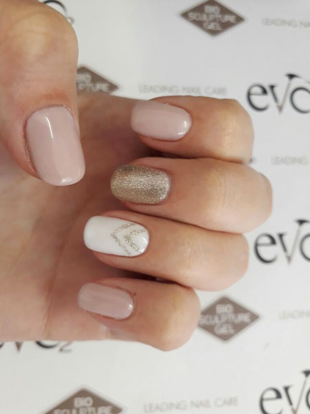 Gel Nude Manicure Gold