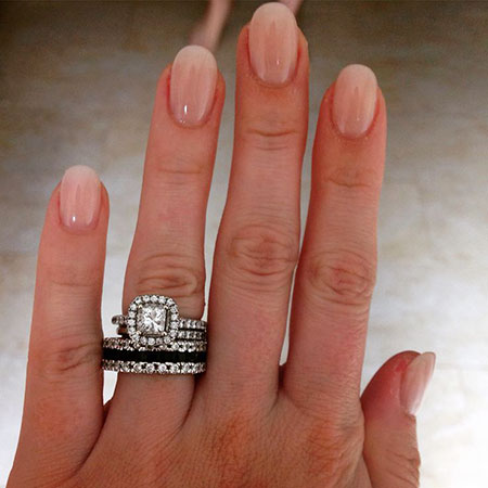 Everyday Style Nail Art, Engagement Oval Shaped Rings
