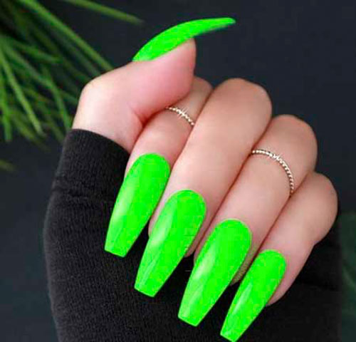 Hunter Green Acrylic Nails