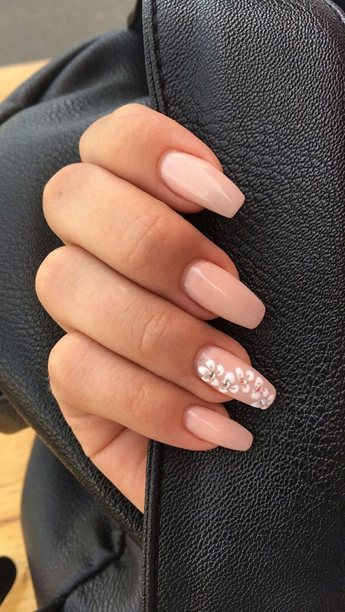 Short Acrylic Nails That Look Natural