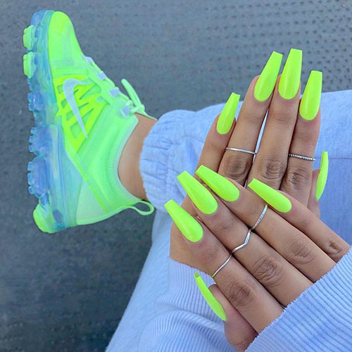 Green Acrylic Nails
