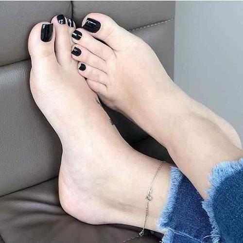 Feet Nails